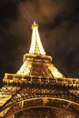 Eiffeltårnet 324,8 m høyt. Foto: Lena Borge